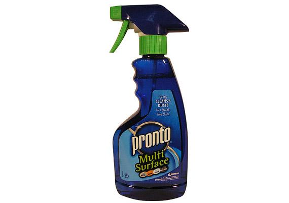 A Pronto általános tisztítószere sokféle felületen alkalmazható, csíkmentesen tisztít és fényesít.