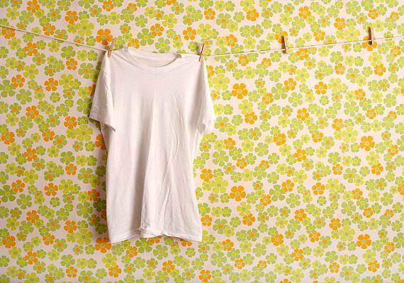 A pamutruhákat, amennyiben nem eresztik a színüket, 60 fokon mosd ki.