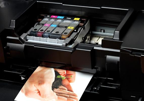 Ugyanez egy tintasugaras nyomtató esetében 79 kWh.