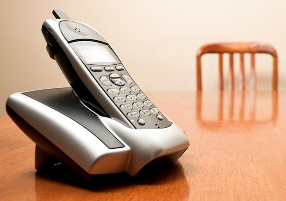 Egy vezeték nélküli telefon esetében ugyanez 53 kWh. További információt az egyes eszközökről ide kattintva találsz.