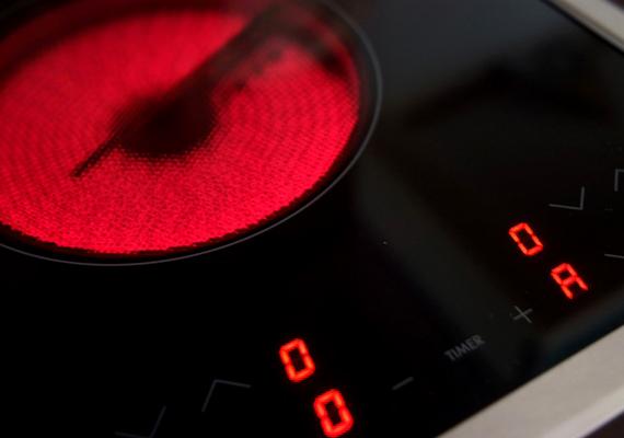 A villanytűzhely fogyasztása sem csekély: 195 kWh.