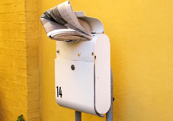Ugyanez igaz a postaláda kiürítésére is, ha ugyanis több napig nem történik meg, joggal gyaníthatják, hogy szabad a terep.