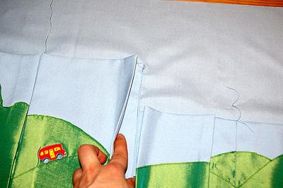 6. lépés: A zsebeket varrd az alapszövetre!