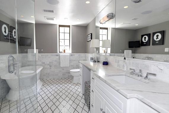 Egy fürdőszoba a sok közül. Az elnök és családja beköltözésével az ingatlan némi átalakításra szorul majd.