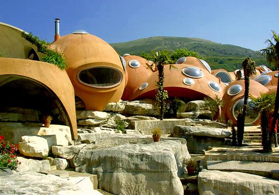 A Bubble House, vagyis buborékház Tourettes-sur-Loup-ban, Franciaországban.