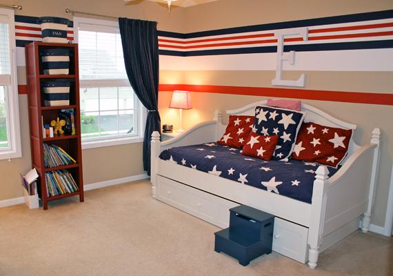 Még az amerikai hazafiaknak sem ajánljuk, hogy a zászló mintázatát a szoba minden egyes eleme magán hordozza. Kissé nyomasztó.