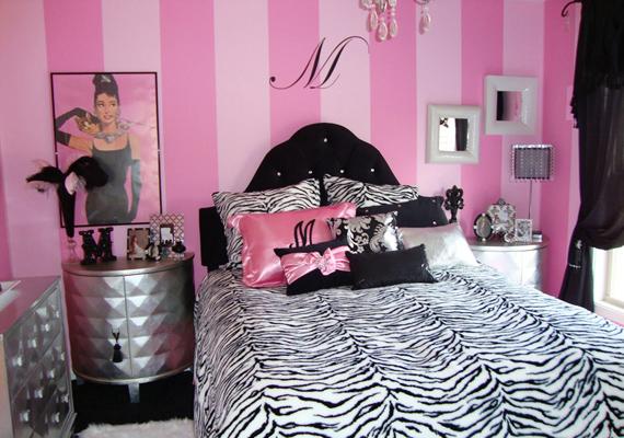 Még a Playboy-villa lányai is viszolyognának ettől a stíluskavalkádtól. A kristálycsillár, az állatmintás takaró, a fémes hatású bútorok és a rózsaszín, csíkos fal együtt nem túl jó kombináció.