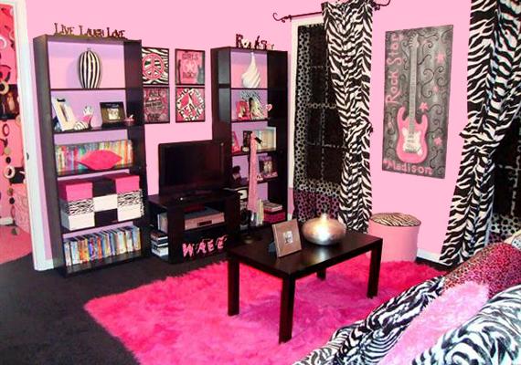 Bár ez a helyiség lehet akár egy tinilányé is, attól még nem túl ízléses a zebracsíkok és a pink kombinációja.