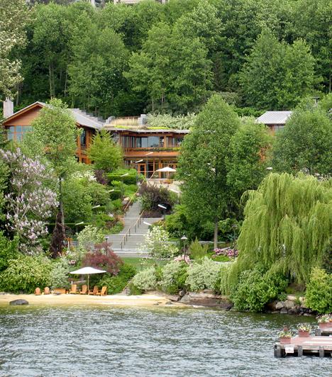Xanadu 2.0, Amerikai Egyesült Államok                         Bill Gates-nek, a világ egyik leggazdagabb emberének otthona Washinton államban, a Washinton-tó partján található. Értékét 120-140 millió dollárra becsülik.                         Kapcsolódó cikk:                         Nézd meg Bill Gates otthonát! »