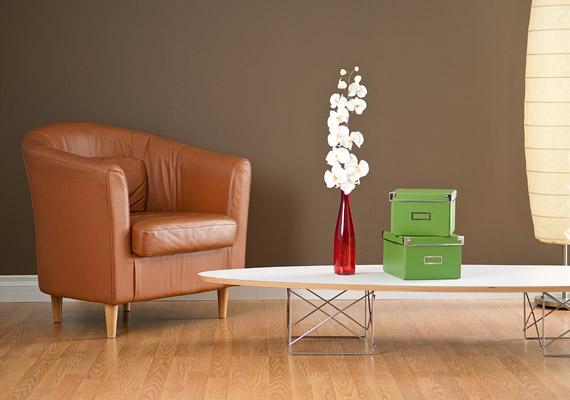 Bátran használd a csokoládét a falakon is, ha elég világos a szoba. Az eredmény szokatlan, mégis barátságos és inspiráló lesz.