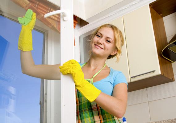 A szénsavas víz az ablakpucolás során is felgyorsítja a szennyeződések eltüntetését.