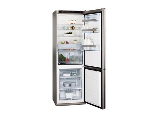 Kombinált, két ajtós hűtő kategóriában díjazták az AEG S83600CSM1-et, melynek átlagos éves fogyasztása 202,5 kWh.