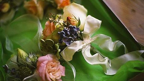 A menyasszonyra ráadásul nemcsak a szervezéssel kapcsolatos feladatok  hárulnak  neki kell döntenie arról 9c1672846f