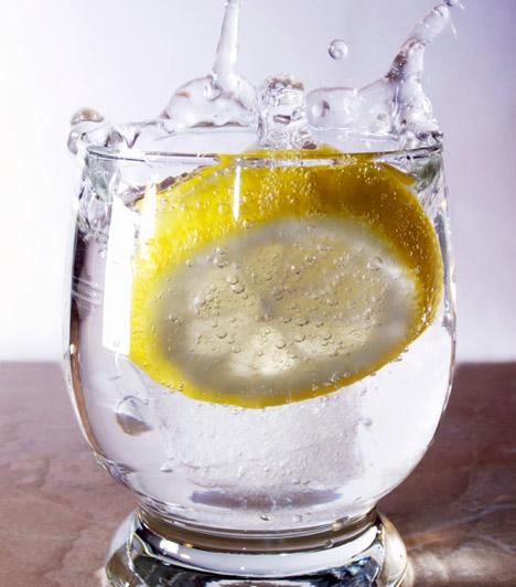 Ásványvíz                         A folyadékfogyasztás fontos, de biztos, hogy egy vagyont kell költened palackozott vízre? Egy víztisztító berendezés egyszeri beruházást jelent, hosszútávon viszont sokat spórolhatsz vele, és még cipekedned sem kell.