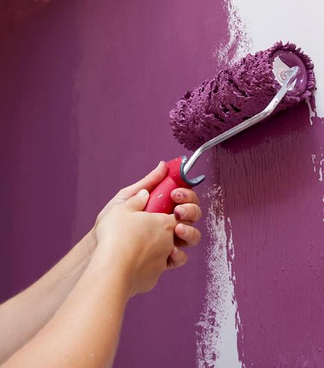 Borongós színekAz is fáradékonnyá tehet, ha a lakásodban túl sok a sötét, borongós szín. Ha ragaszkodsz ezekhez, ne használd nagy felületen: a lila például tökéletes a hálószobába, hiszen megnyugtat, ugyanakkor álmosít is, ezért a lakás többi részén, ha lehet, ne alkalmazd.