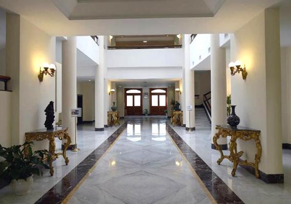 Ez a látvány fogadja a házban megszálló vendégeket. Az épület egyébként ötemeletes: 106 lakosztállyal, 22 különálló szobával, valamint egy apartmannal rendelkezik.