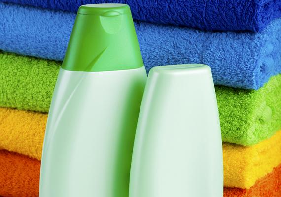 Ha a mosás során összement egy ruha, áztasd be babasamponos vízbe.