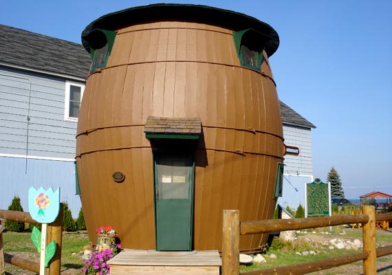 Ki ne szeretne egy hordó belsejében élni - a michigani Pickle Barrel House tulajdonosai legalábbis nem bánják.
