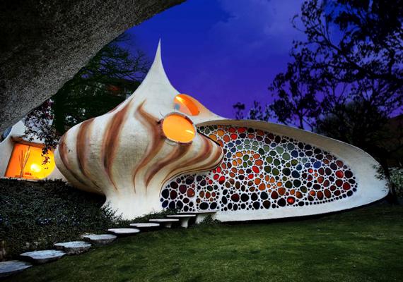 Gyönyörű a mexikói Nautilus-ház, mely kívülről tengeri csigára emlékeztet.