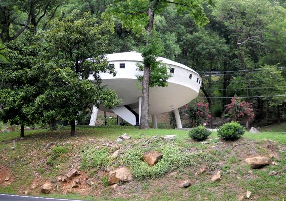 Repülő csészealjra hasonlít az amerikai Tennessee államban található ház.