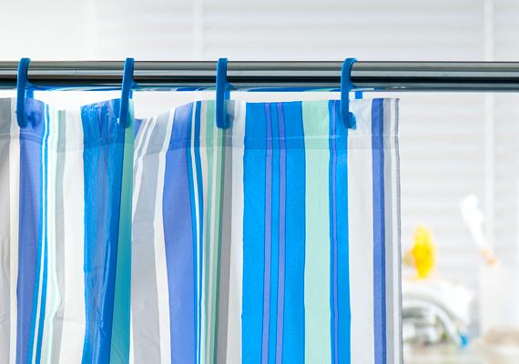 Zuhanyfüggöny                         Egy idő után sajnos minden zuhanyfüggöny bebarnul, és penészedni kezd, hacsak nincs minden alkalommal gondosan megszárítva. Hogy a foltokat eltávolítsd, a gépben mosható függönyt mosópor helyett szódabikarbónával, öblítő helyett ecettel mosd ki. Ha csak kézzel mosható, a kádban súrold át ecetes vízzel, majd öblítsd le!
