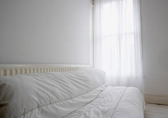 Húzd el a radiátor elől a bútorokat, de a függönyt is, mert ezek felfogják a meleget.