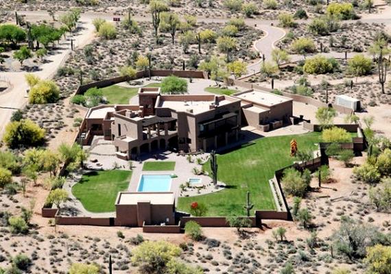 A volt alaszkai kormányzó és amerikai republikánus alelnökjelölt, Sarah Palin háza Arizonában található.