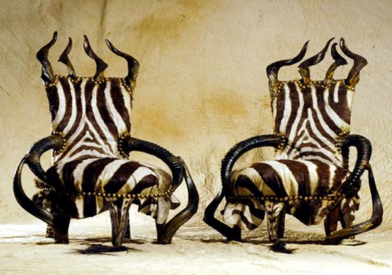 Michel Haillard az extravagáns luxus jegyében alkotta meg székeit.