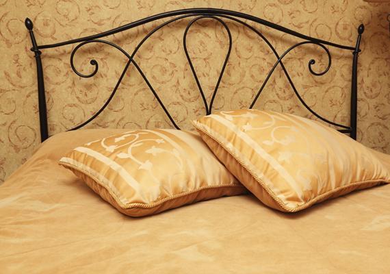 Ha pedig aranyhoz hasonló színekben pompázik a hálószoba, az 6 óra 43 perc nyugodt alvást jelent.