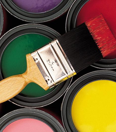 SzínekA burkolatok kapcsán ne csak a padlóra gondolj! A falak színe szintén meghatározó, még az erkély esetében is. A fehér mindig jó választás, de bátran használhatsz élénk színeket is, például sárgát, amivel megsokszorozhatod a napfényt. A sötét árnyalatokkal bánj óvatosan, hiszen optikailag kicsinyítik az erkélyt.