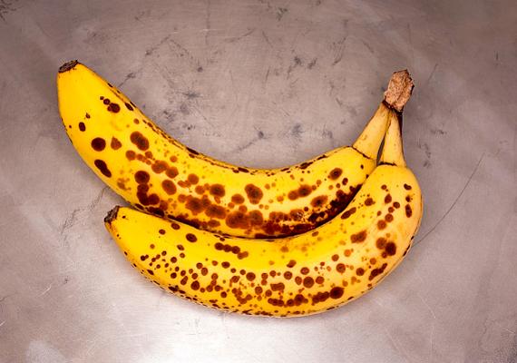 Szintén remek csalétek, ha a befőttesüvegbe túlérett banándarabokat teszel.