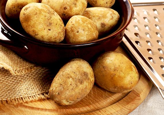 A lereszelt krumplit például üvegből készült vázák, palackok fényesítésére is használhatod.