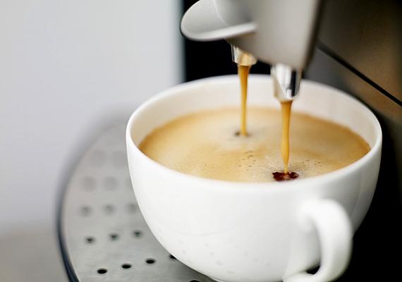 Az automata kávéfőző is könnyen elromolhat, a vízkő ugyanis nem kíméli. Érdemes havonta-kéthavonta vízkőteleníteni, hogy hosszú életű legyen.