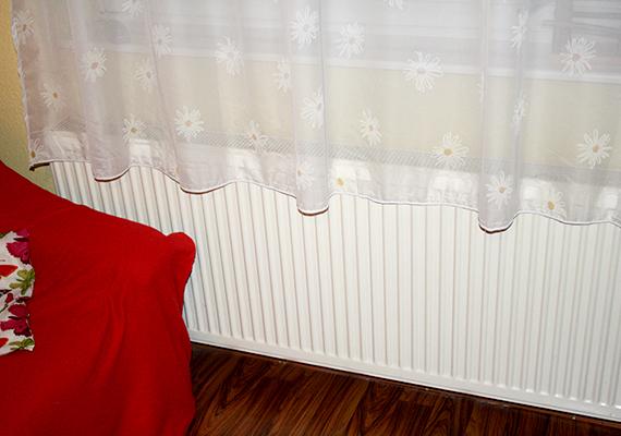 A hőtükör fóliát olyan radiátor mögé érdemes tenni, mely utcafronti falnál helyezkedik el.