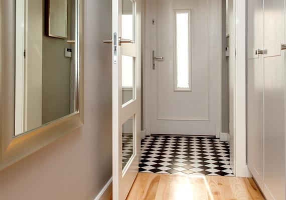 Az előszobákban sem kell külön fűteni, elég a 16-17 fok, hiszen ez egyfajta zsilip a kinti hideg és a nappali melege között.