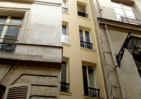 Mint a legtöbb nagyvárosnak, Párizsnak is megvan a maga legszűkebb háza.
