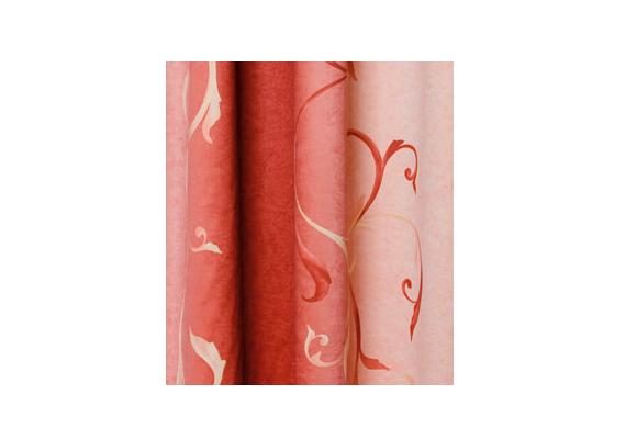A Diego rózsaszín és barackos árnyalatokban játszó függönye igazi nőies darab.