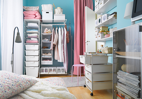 A klasszikus gardrób elrendezése nagyon kötött, de ha az Ikea praktikus darabjait választod, úgy rendezed be a saját ruhászekrényedet, ahogyan akarod.