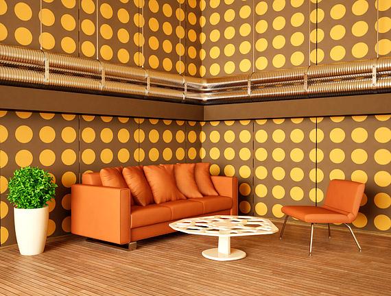 Egy geometrikus tapéta azonnal retro hangulatot teremt, de vigyázz! Ha nem elég nagy a szoba, a végeredmény zavaró vagy akár nyomasztó is lehet.