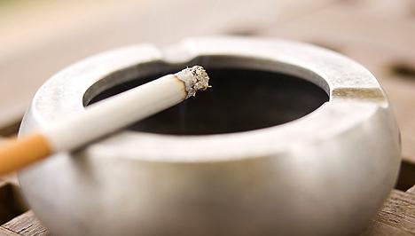 Orvosolja a cigaretta szagát a lakásban, A tárgyakat is megmérgezik a dohányosok