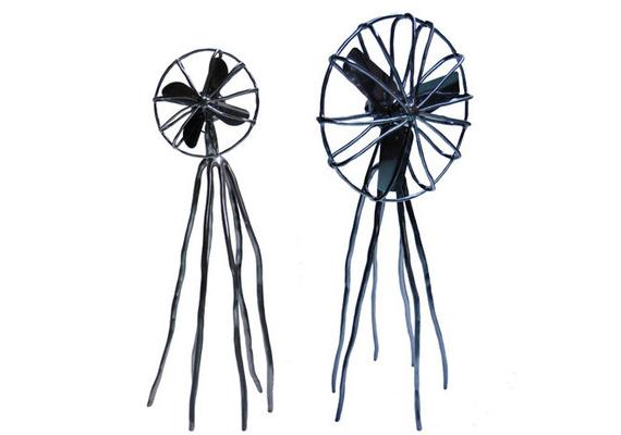 Igaz ez a szintén ehhez a névhez köthető ventilátorokra is - inkább tűnnek ijesztőnek.