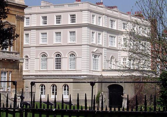 A walesi herceg hivatalos rezidenciája a Clarence House Londonban.