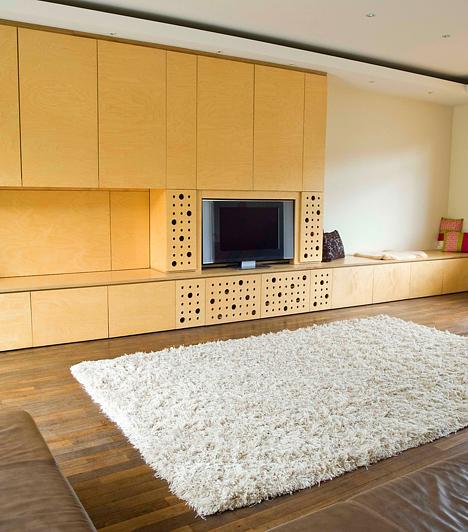 Robusztus bútorokA feng shui szerint jobb, ha több kisebb bútort helyezel el a lakásban, mint egy-két hatalmas darabot. Előbbiek között ugyanis szabadon mozoghat az energia, míg utóbbiak megrekesztik.