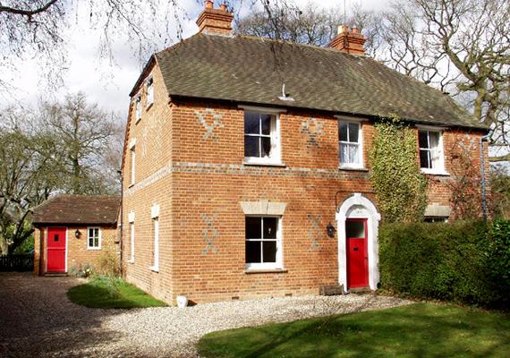 Katalin hercegné szülei 1979-ben vették meg ezt a West View nevű, Bradfield Southend-i házat, ahol Kate 13 éves koráig élt.