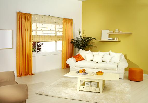 Ha a nappaliban hangsúlyos szerepet kap az ablak vagy épp az erkélyajtó, egy új függönnyel az egész szobát feldobhatod.