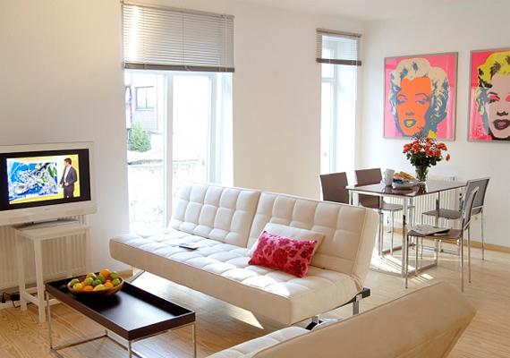 A kevesebb ebben az esetben is több. Minél inkább minimalista stílusban rendezed be az otthonod, annál kevésbé fog zsúfoltnak tűnni.