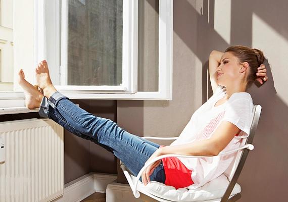 Csinálj huzatot! A levegő fokozott áramlása miatt a hőmérséklet néhány fokkal hűvösebbnek tűnik majd.