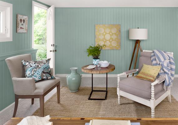 A pasztell és natúr színek visszaköszönnek a falakról és a bútorok kárpitjáról is. Ez a naturista stílus igazán otthonos hangulatot áraszt.