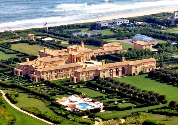 A Tündérmező, azaz a Fairy Field a New York-i elit által kedvelt Hamptonsban található. Értéke 248 millió dollárra rúg, legalábbis a tulajdonos, Ira Rennert adóbevallása alapján.