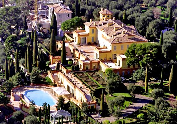 A Franciaországban fekvő Villa Lopolda lett a második, a maga 750 millió dollárra becsülhető árával. Az épület Lily Safra filantrópus tulajdonában áll.